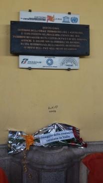 omenatge memorial Bolonya